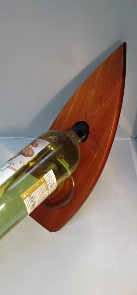 wine bottle holder in action