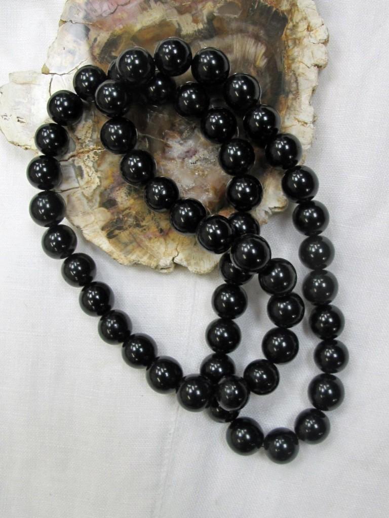 jet bead necklace