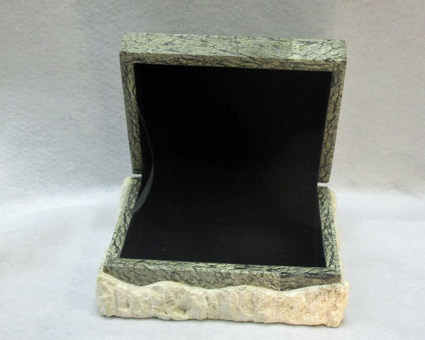 green coral box open